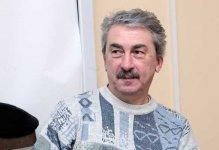 """""""Bəxt üzüyü""""nün """"Hüseyn""""i teatrdan uzaqlaşdırıldı - Mitinqə görə"""