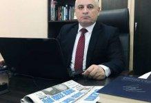 Baş redaktor jurnalisti söyən general-mayordan şikayət etdi