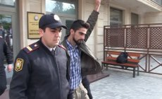Anası: Qiyas İbrahimovu hər gün günəşin altında saxlayırlar