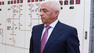 Baba Rzayev Azərbaycandan xaricə milyonlar çıxarır (FOTOFAKT)