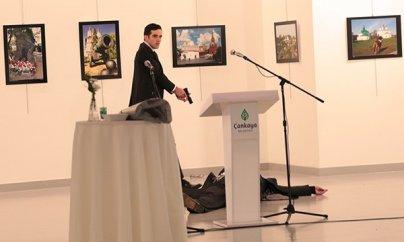 Rusiyanın Türkiyədəki səfiri öldürüldü (YENILƏNİB)