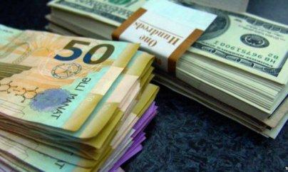 Dollar 2 manatı ötəcək - Ekspertlərdən proqnoz