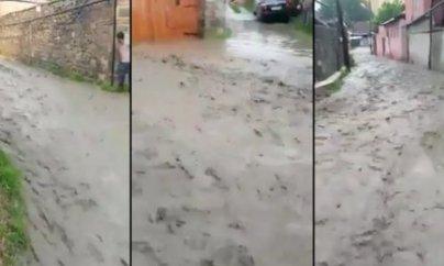 Şəkini sel basdı, küçələr su altında qaldı (VİDEO)
