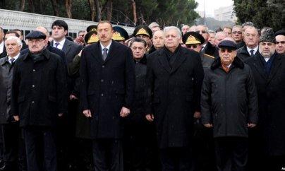 İlham Əliyev Şəhidlər Xiyabanını ziyarət etdi