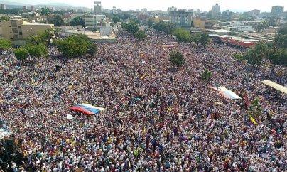 Venesuelada prezident istefaya çağırıldı - Trampdan dəstək