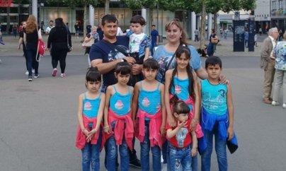 Azərbaycana qayıtmaq istəməyən 7 uşaq atası damarını doğrayıb