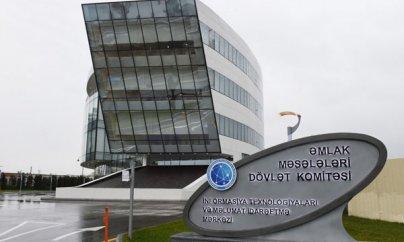 Dövlət Komitəsinin sədr müavini 73 yaşlı rəisi döydürdü (VİDEO)