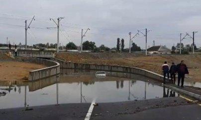 Sabunçuda bir ay əvvəl açılmış tunel su altında qalıb - VİDEO