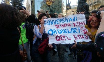 """Bakıda zorakılıq əleyhinə """"Dözmə, Yürüş Et!"""" aksiyası"""