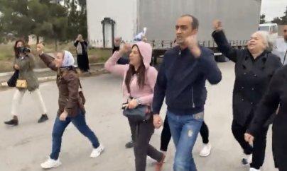 AXCP fəalları aksiya etdi: iştirakçılar və jurnalistlər saxlanıldı
